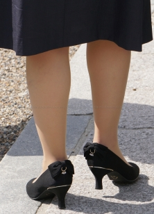 ナチュスト履いた美脚がセクシー
