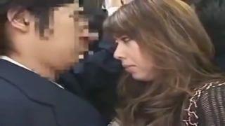 巨乳熟女のエロい風間ゆみさんがバスで淫乱痴女!セックスまでしちゃうアダルト動画