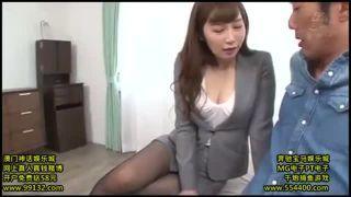 【佐々木あき】 黒ストッキングのムレムレ美女を服を着せたまま犯す長編動画