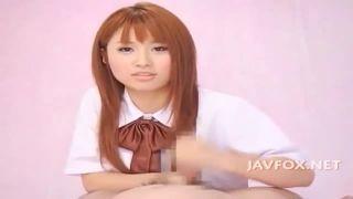 かつて人気を誇った成瀬心美が女子高生姿で高速手ヌキに体操着でオナニーしちゃう動画
