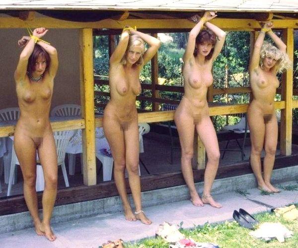 性奴隷として売られてしまった外人女性達のエロ画像