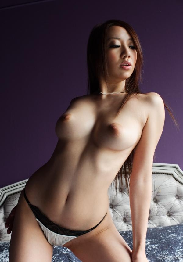 スレンダー巨乳画像 細身のデカパイ美女130枚の044枚目