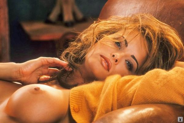 トランプの愛人カレン マクドゥーガルのヌード画像52枚の18枚目