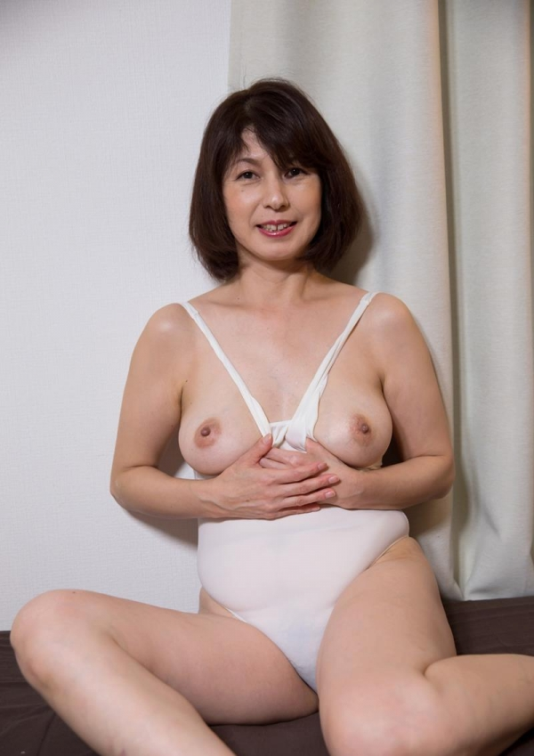 50歳を過ぎた熟女の淫靡な姿をじっくり堪能 五十路エロ画像45枚の013枚目