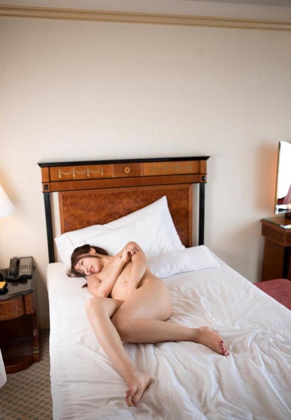 愛華みれい スレンダー巨乳美女セックス画像110枚の058枚目