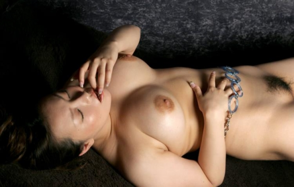 懐エロ 相内リカ 垂れ乳 離れ乳のHカップ爆乳美女エロ画像70枚の0015枚目