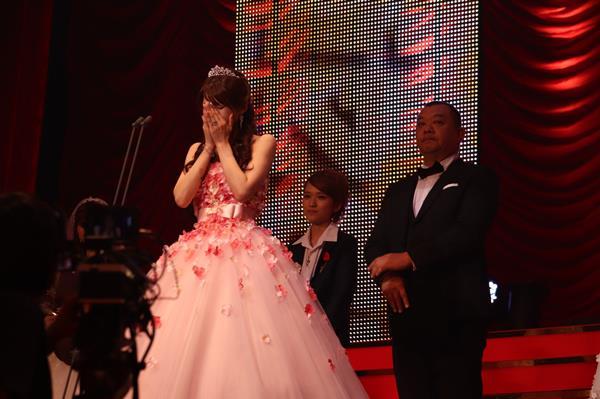 相沢みなみ FANZAアダルトアワードで最優秀女優賞を受賞!エロ画像51枚のa006枚目