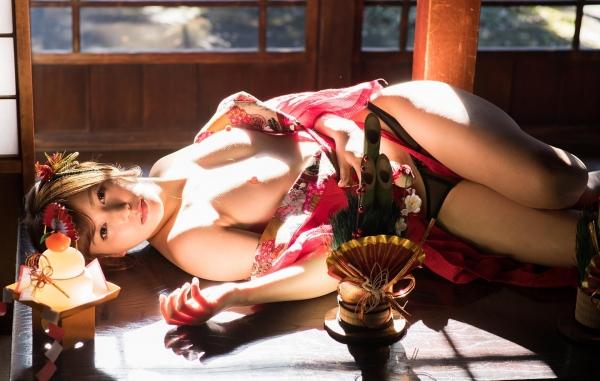 赤い襦袢の美女エロ画像 和装のセクシーランジェリー100枚の10枚目