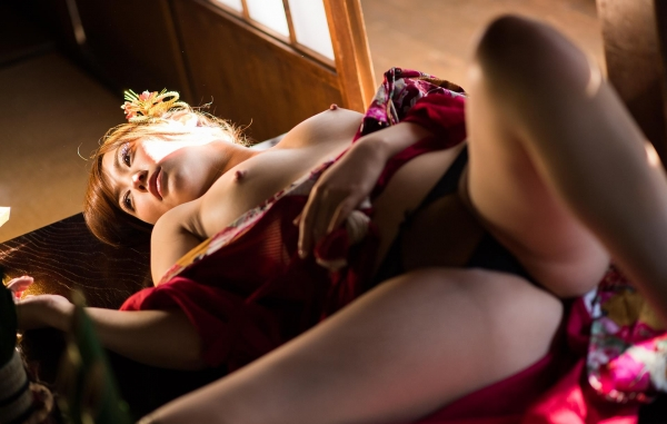 赤い襦袢の美女エロ画像 和装のセクシーランジェリー100枚の12枚目