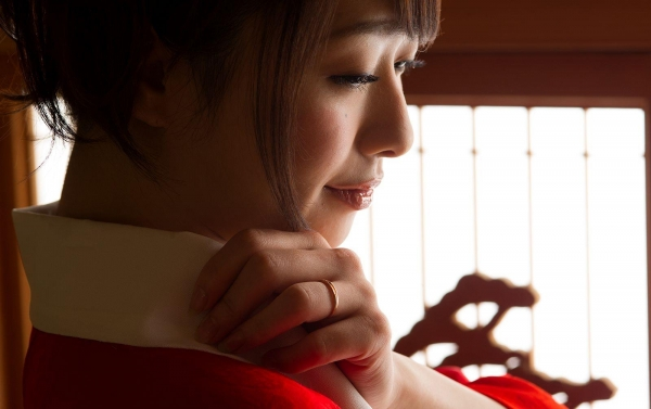 襦袢エロ画像 赤い肌衣の和服美女102枚の23枚目