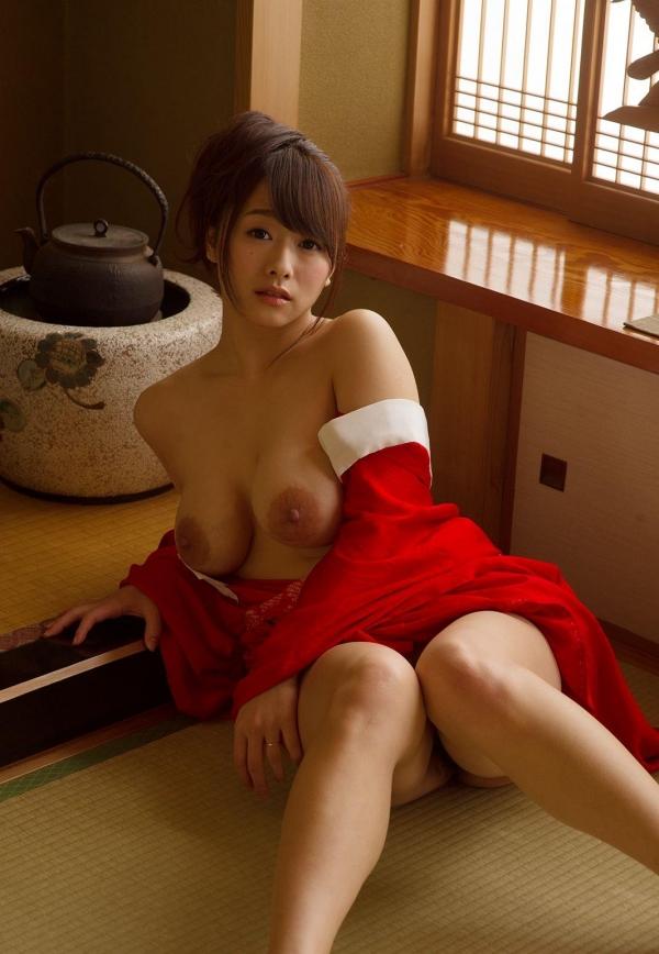 赤い襦袢の美女エロ画像 和装のセクシーランジェリー100枚の32枚目