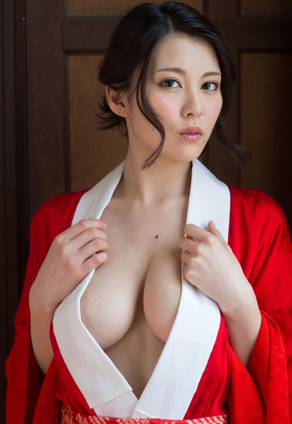 赤い襦袢の美女エロ画像 和装のセクシーランジェリー100枚の72枚目