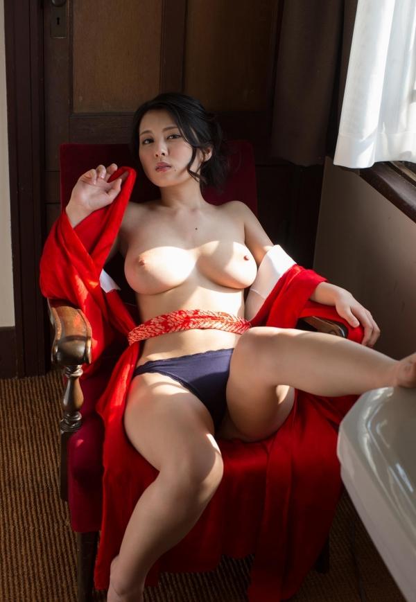 赤い襦袢の美女エロ画像 和装のセクシーランジェリー100枚の80枚目