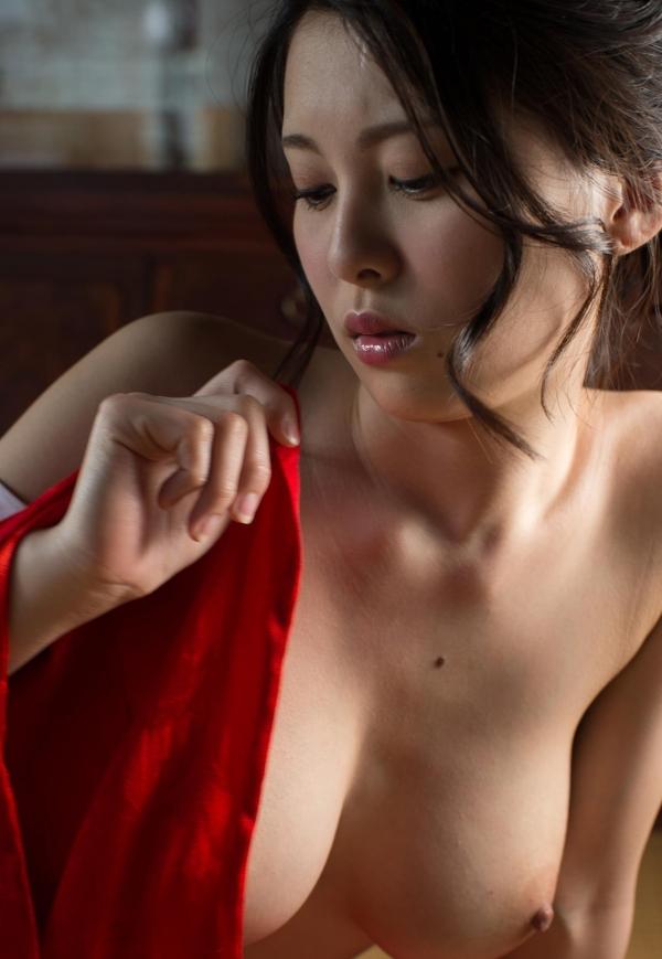 赤い襦袢の美女エロ画像 和装のセクシーランジェリー100枚の83枚目
