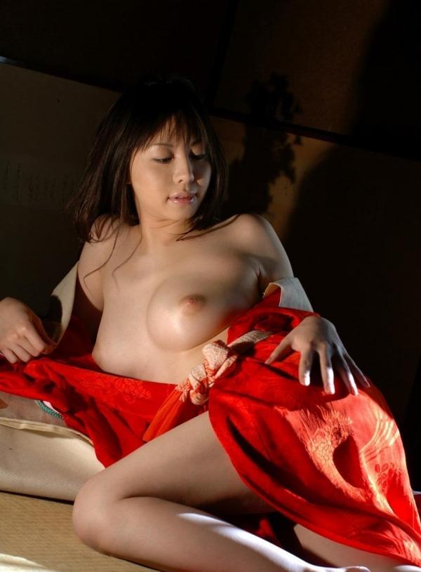 赤い襦袢の美女エロ画像 和装のセクシーランジェリー100枚の93枚目