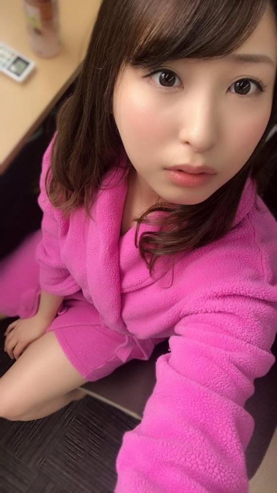 秋山祥子 美巨乳 美脚の再ブレイク美女エロ画像56枚のa01枚目