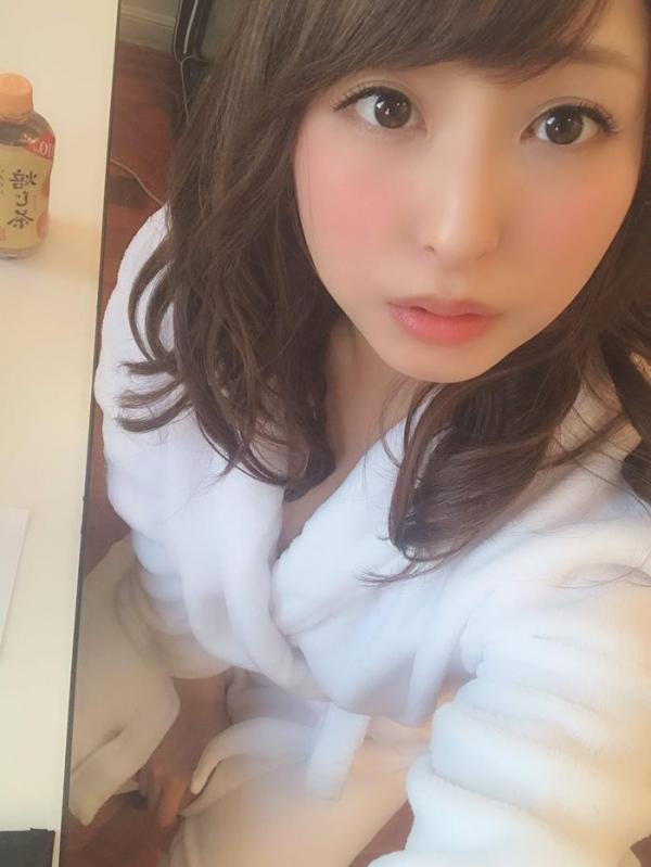 秋山祥子 美巨乳 美脚の再ブレイク美女エロ画像56枚のa07枚目