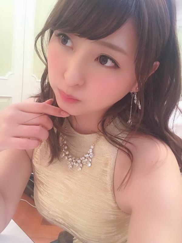 秋山祥子 美巨乳 美脚の再ブレイク美女エロ画像56枚のa08枚目