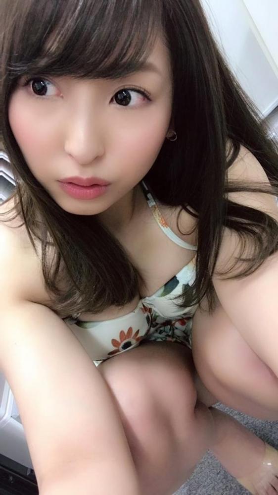 秋山祥子 美巨乳 美脚の再ブレイク美女エロ画像56枚のa20枚目