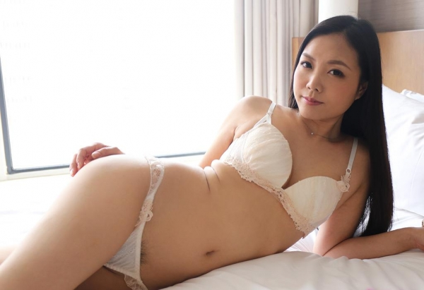 セックスレスの三十路妻 天野小雪(鈴村塔子)エロ画像56枚のa011枚目