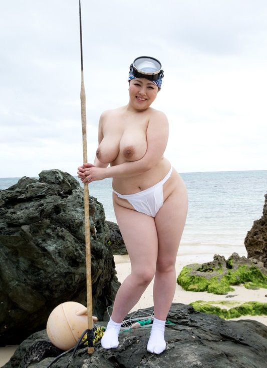 海女さんエロ画像 おっぱい丸出しふんどし姿の熟女40枚の005枚目