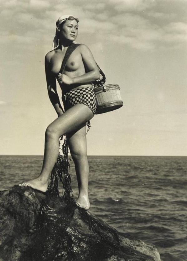 海女さんエロ画像 おっぱい丸出しふんどし姿の熟女40枚の027枚目