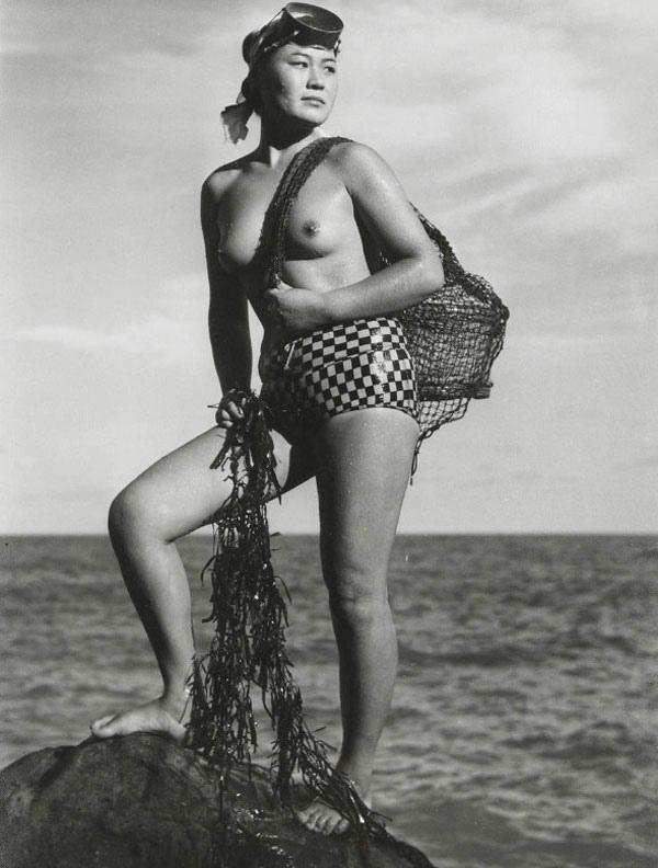 海女さんエロ画像 おっぱい丸出しふんどし姿の熟女40枚の033枚目
