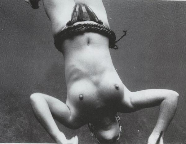海女さんエロ画像 おっぱい丸出しふんどし姿の熟女40枚の035枚目
