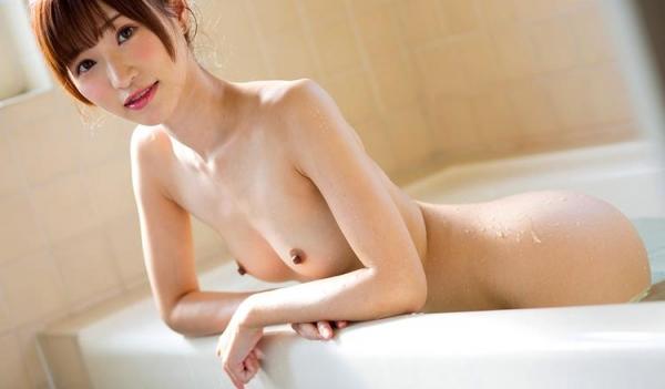 ちっぱいの 天使もえ が全裸で入浴中のエロ画像52枚の1