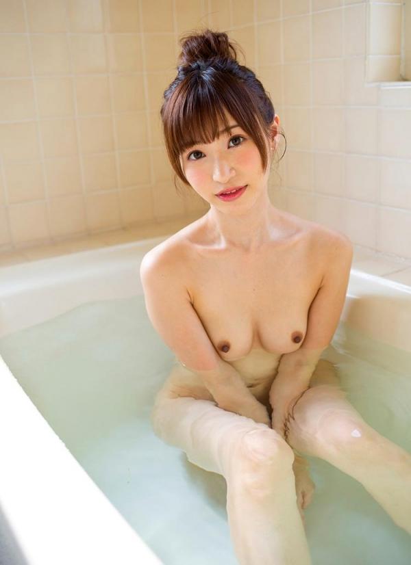 ちっぱいの 天使もえ が全裸で入浴中のエロ画像52枚のa010枚目