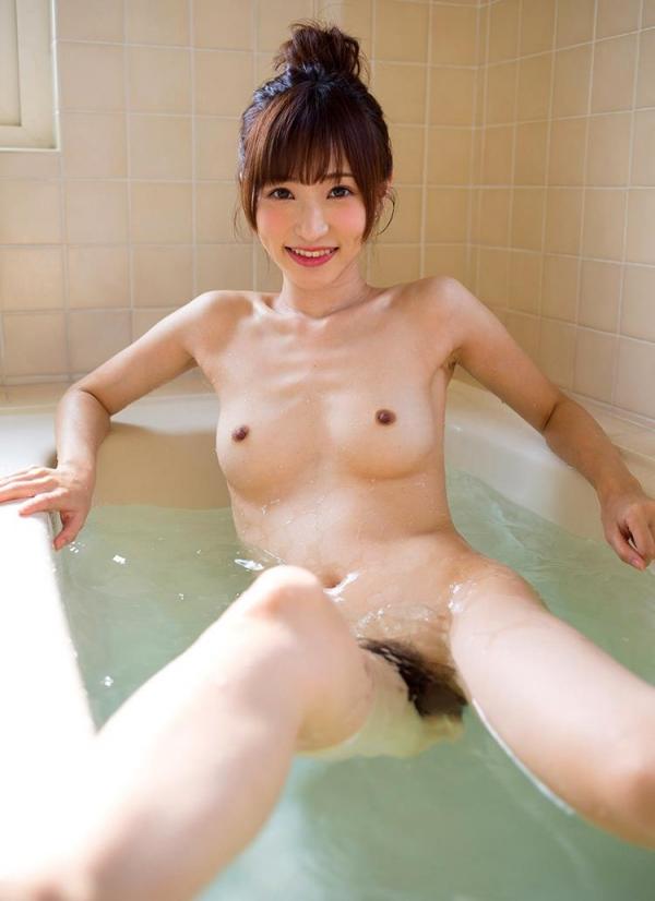 ちっぱいの 天使もえ が全裸で入浴中のエロ画像52枚のa012枚目