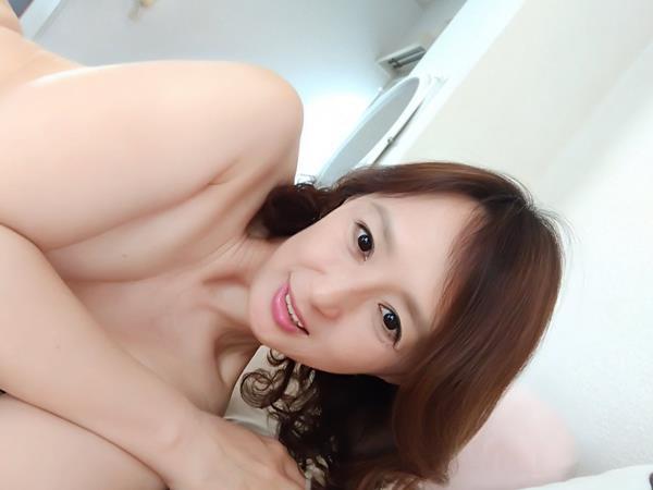 安野由美(あんのゆみ)五十路の美熟女 エロ画像65枚のa005枚目