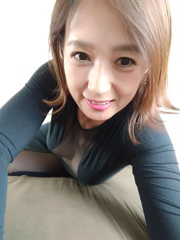 安野由美(あんのゆみ)五十路の美熟女 エロ画像65枚のa011枚目