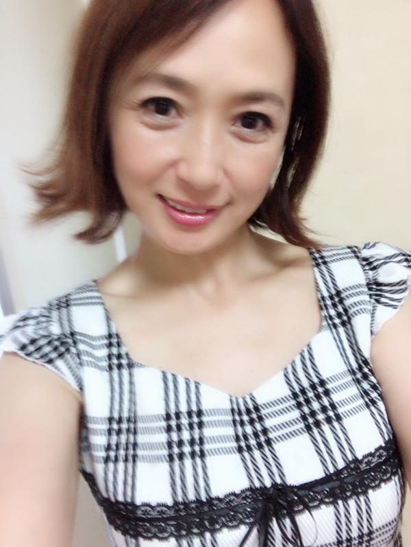 安野由美(あんのゆみ)五十路の美熟女 エロ画像65枚のa014枚目