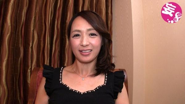 安野由美(あんのゆみ)五十路の美熟女 エロ画像65枚のc002枚目