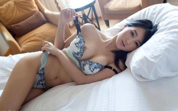 葵千恵 無修正で人気のGカップ淫乱美女エロ画像55枚の1