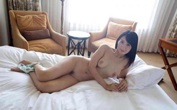 葵千恵 無修正で人気のGカップ淫乱美女エロ画像55枚のa012枚目