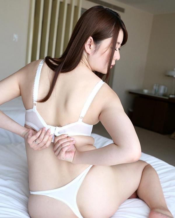 葵百合香(東出香 )ムッチリGカップの美脚美女エロ画像50枚の026枚目