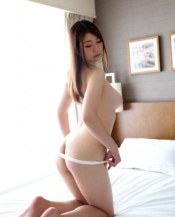 葵百合香(東出香 )ムッチリGカップの美脚美女エロ画像50枚の028枚目