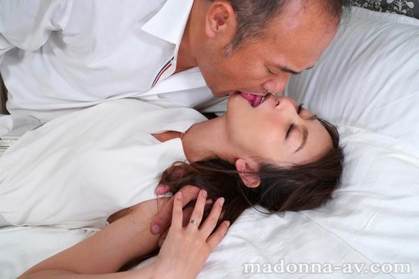 青木玲(広瀬詩織)性欲が強い美人妻のエロ画像55枚のb02枚目