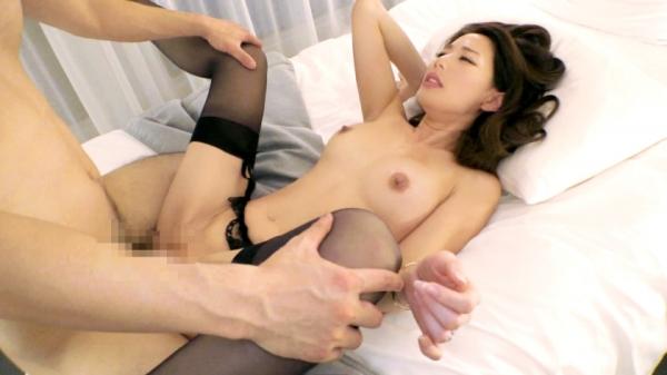 美人妻 桜木谷かおる(朝霧れいか)34歳 お琴の講師 エロ画像のb018枚目