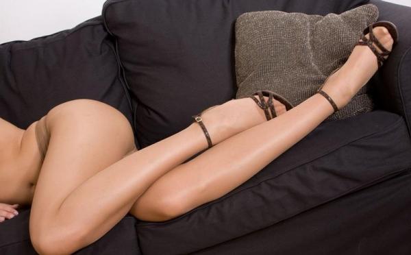 足首がキュッと細く締まった綺麗な脚のエロ画像60枚の058枚目