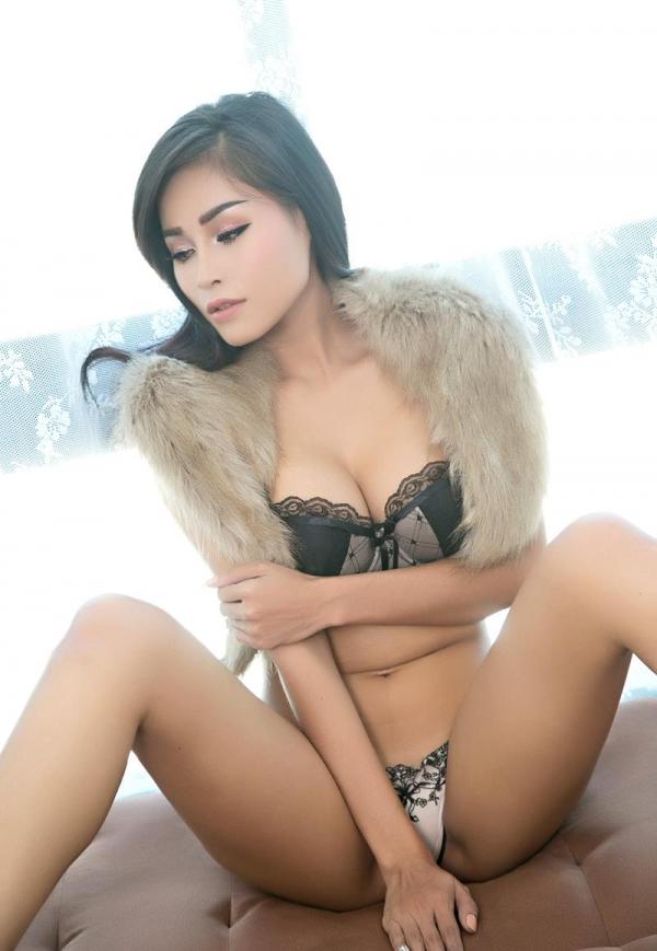東南アジアのスレンダー美巨乳なお姉さんヌード画像44枚の17枚目