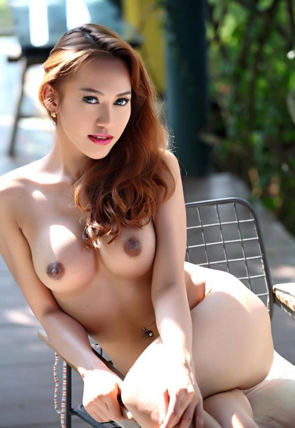 東南アジアのスレンダー美巨乳なお姉さんヌード画像44枚の43枚目