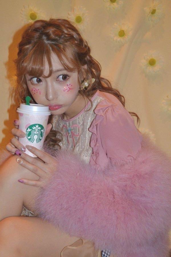 明日花キララさん最近のツイッター投稿画像80枚の65枚目