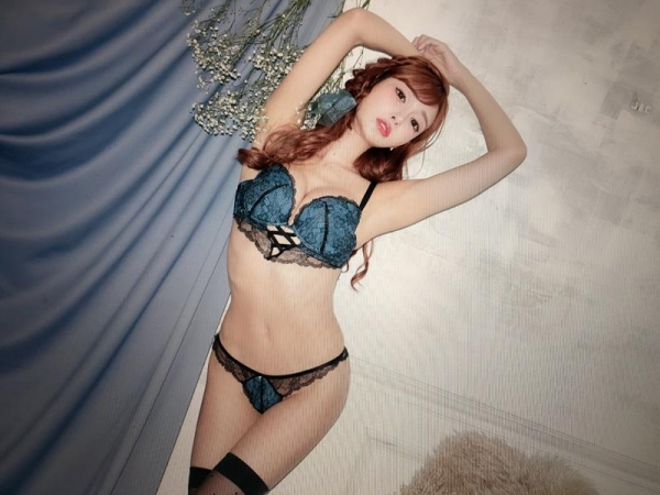 明日花キララさんの超セクシーなランジェリーコレクション エロ画像63枚のa05枚目
