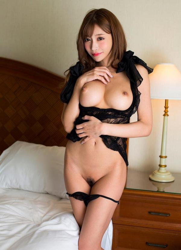 明日花キララさんの超セクシーなランジェリーコレクション エロ画像63枚のb01枚目
