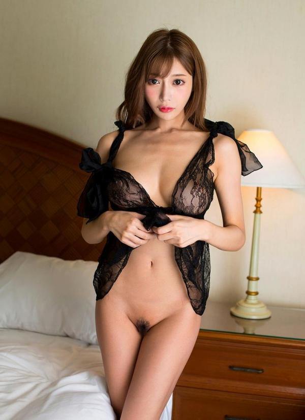 明日花キララさんの超セクシーなランジェリーコレクション エロ画像63枚のb02枚目
