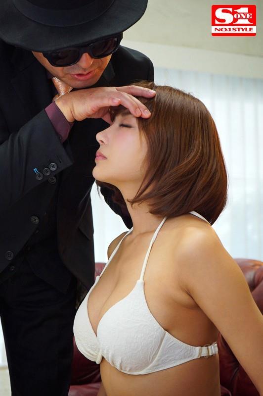明日花キララさんの超セクシーなランジェリーコレクション エロ画像63枚のd05枚目
