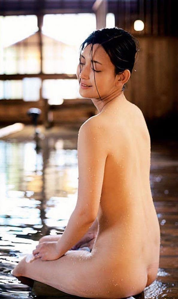 アタッカーズの人気AV女優15人ヌード画像90枚の076枚目
